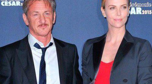 Charlize Theron muestra su amor con Sean Penn y se reencuentra con Kristen Stewart en los César más internacionales