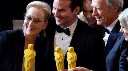 Meryl Streep, Bradley Cooper, Clint Easwood, Emma Stone... se aferran a sus estatuillas de Lego tras no hacerse con el Oscar 2015