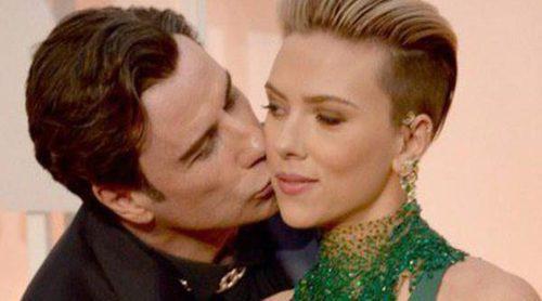 John Travolta, el sobón de los Oscar 2015 al acecho de Scarlett Johansson e Idina Menzel