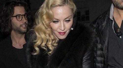 Madonna 'celebra' su caída en los Brit Awards 2015 de fiesta con Rita Ora, Nick Jonas y Lindsay Lohan
