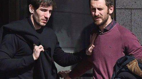 Quim Gutiérrez, Raúl Arévalo, Daniel Sánchez Arévalo... 'La Gran Familia Española' acude al tanatorio de Héctor Colomé