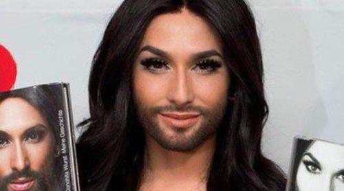 Conchita Wurst vuelve a su barba y su melena para presentar single y autobiografía