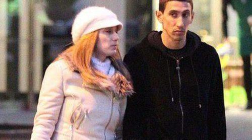 Ángel Di María se relaja con un paseo nocturno junto a su mujer Jorgelina Cardoso