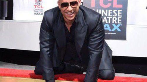 Vin Diesel plasma sus huellas en Hollywood arropado por Paloma Jiménez y sus hijos Hania y Vincent