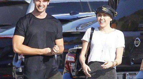 Miley Cyrus y Patrick Schwarzenegger rompen: adiós a una relación de ida y vuelta