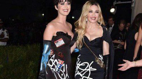 Madonna y Katy Perry roban el título de gemelas a las Olsen en la gala del MET 2015