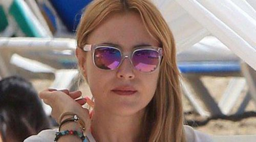 Berta Collado se aleja del calor madrileño: relajante escapada a las playas de Ibiza