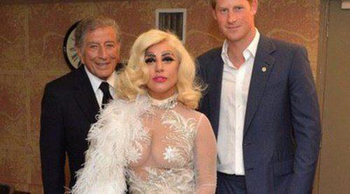 El Príncipe Harry, fascinado por Lady Gaga y Tony Bennett en un concierto benéfico