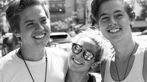 Reunión 'Zack y Cody': Ashley Tisdale se reencuentra con los gemelos Dylan y Cole Sprouse