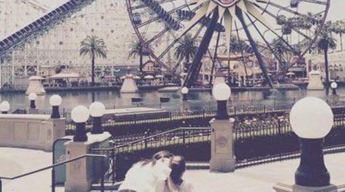 Katie Holmes celebra que hace tres años de su divorcio de Tom Cruise con una visita a Disneyland con su hija Suri