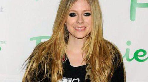 Avril Lavigne rompe a llorar al hablar por primera vez en televisión de la enfermedad que casi le cuesta la vida