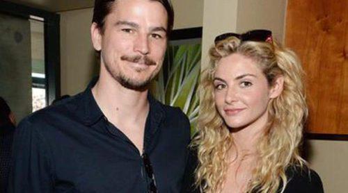 Josh Hartnett y su novia Tamsin Egerton están esperando su primer hijo