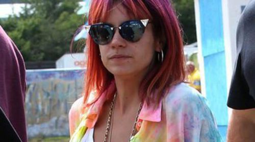 Lily Allen se desmaya durante un concierto en Glastonbury