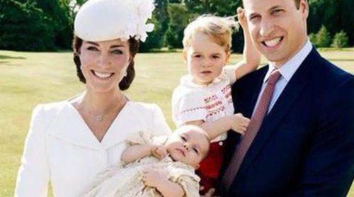 Salen a la luz las fotos oficiales del bautizo de la Princesa Carlota de Cambridge