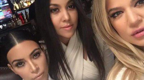 Kourtney Kardashian se apoya en sus hermanas Kim y Khloe para superar su ruptura con Scott Disick