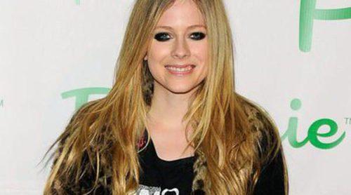 Avril Lavigne recupera la ilusión por vivir y se compra junto a su marido Chad Kroeger una mansión de 5,4 millones de dólares