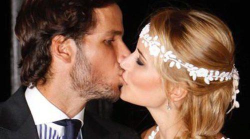 La emotiva boda de Alba Carrillo y Feliciano López con muchas presencias y una gran ausencia