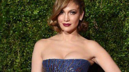 Jennifer Lopez celebra su 46 cumpleaños muy sexy y acompañada por su novio Casper Smart