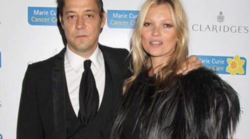 Kate Moss y Jamie Hince, abatidos tras su separación, inician caminos por separado