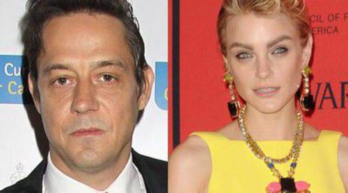 Jamie Hince y Jessica Stam, pillados en actitud muy cariñosa: ¿la sustituta de Kate Moss?