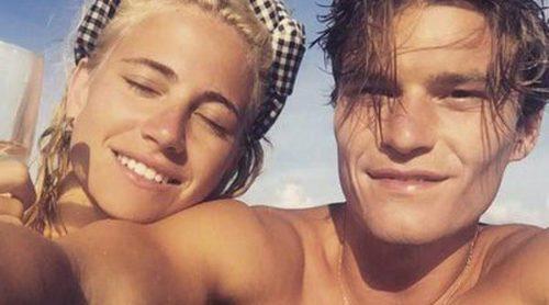 Pixie Lott y el modelo Oliver Cheshire lucen cuerpazo durante sus vacaciones en Mexico