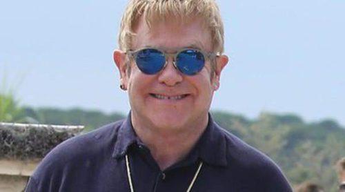 Elton John y David Furnish disfrutan de sus tradicionales vacaciones en Saint Tropez con sus hijos Zachary y Elijah