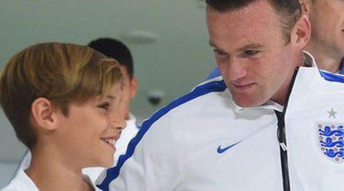 David Beckham enchufa a su hijo Romeo para que saltara al campo con Wayne Rooney