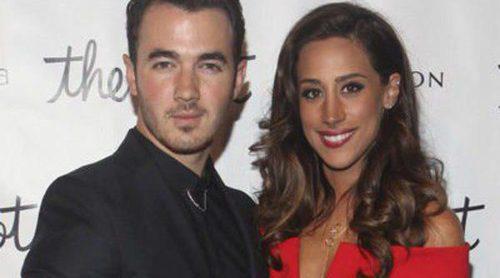 Kevin y Danielle Jonas ya están pensando en darle un hermanito a su hija Alena Rose