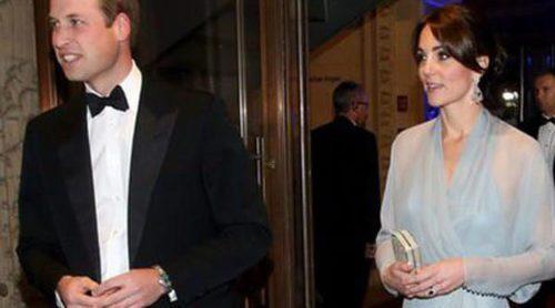 Los Príncipes Guillermo y Harry y Kate Middleton, estrellas del estreno de 'Spectre' junto a Léa Seydoux y Monica Bellucci