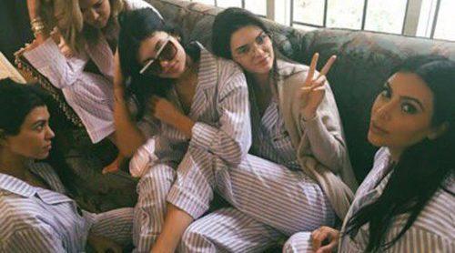 Kim Kardashian celebra su baby shower con Kourtney y Khloe Kardashian y Kendall, Kylie, Kris y Caitlyn Jenner