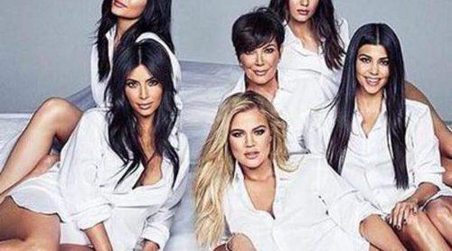 El clan Kardashian-Jenner al completo recrea un antiguo vídeo de Kris Jenner por su 60 cumpleaños