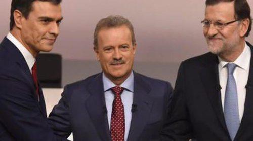 Nuria Roca, Paco León, Elena Furiase,... así vivieron las celebs el cara a cara entre Mariano Rajoy y Pedro Sánchez