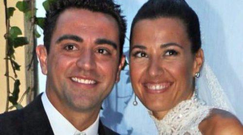 Xavi Hernández presenta a su hija Asia: así se desenvuelve como padre primerizo