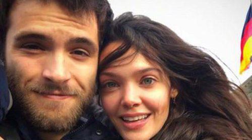 Primer posado juntos: Ricardo Gómez y Ana Rujas confirman su amor desde Berlín