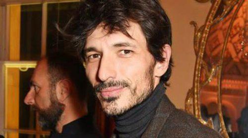 Andrés Velencoso pasea la belleza española en Londres rodeado de David Gandy y Luke Evans