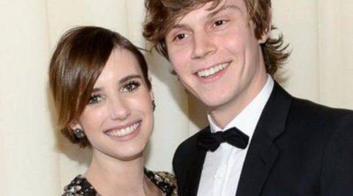 Emma Roberts y Evan Peters se resisten a confirmar su reconciliación