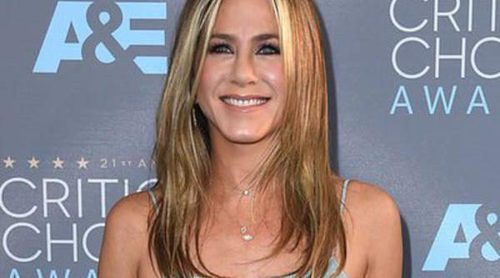Jennifer Aniston, Rosie Huntington-Whiteley y Kate Beckinsale deslumbran en la alfombra roja de los Critics' Choice Awards 2016