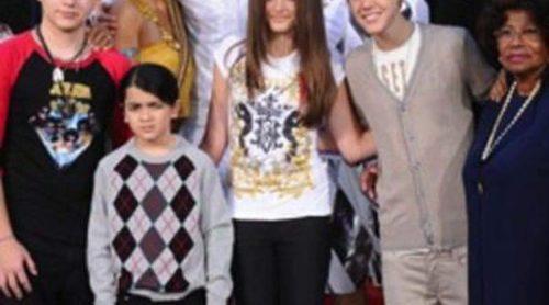 Justin Bieber y los hijos de Michael Jackson acuden a un acto homenaje al Rey del Pop