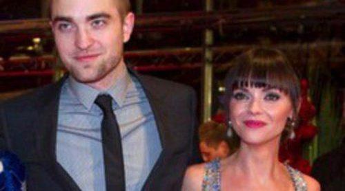 Robert Pattinson y Christina Ricci presentan con éxito 'Bel Ami' en la Berlinale