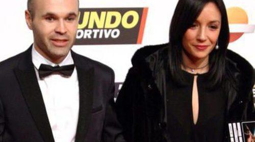 Andrés Iniesta y Anna Ortiz, Gisela y su novio, estrellas de la gala Mundo Deportivo 2016