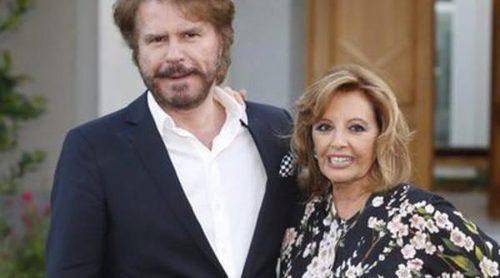María Teresa Campos y Bigote Arrocet, muy enamorados cantando 'Arráncame la vida de un tirón' en QTTF