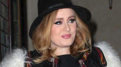 Adele se divierte junto a su hijo Angelo disfrazado de la Princesa Anna de 'Frozen'