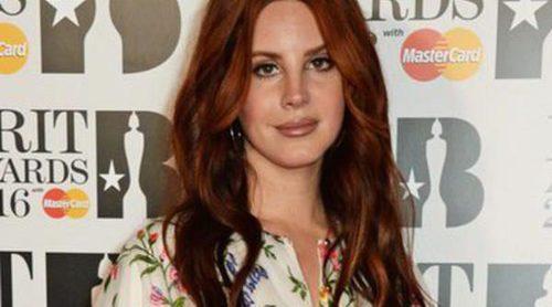 Lana Del Rey, Little Mix y Cheryl Fernandez-Versini deslumbran en la alfombra roja de los Premios Brit 2016