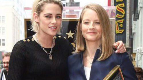 Jodie Foster recibe por fin su estrella del Paseo de la Fama de manos de Kristen Stewart