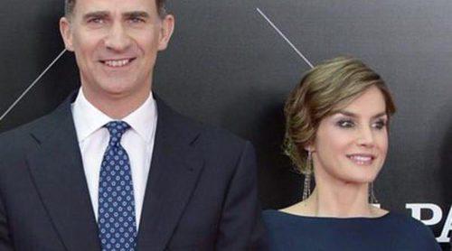 Los Reyes Felipe y Letizia, dos enamorados en la entrega de los Premios Ortega y Gasset junto a Cayetano Rivera y Elena Anaya