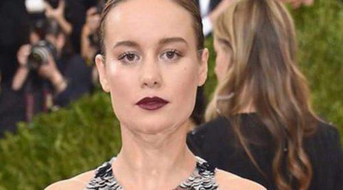 Brie Larson confirma su compromiso con Alex Greenwald luciendo un precioso anillo