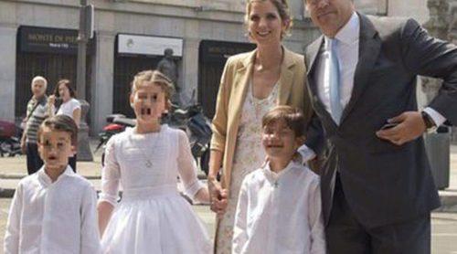 Luis Alfonso de Borbón y Margarita Vargas celebran la Primera Comunión de su hija Eugenia