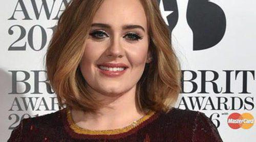 Adele sorprende en uno de sus conciertos cantando 'Spice Up your life' de las Spice Girls