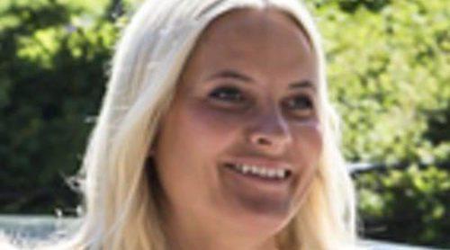 Mette-Marit de Noruega cambia a sus hijos Ingrid y Sverre por Victoria de Suecia y su amiga Gunhild Stordalen