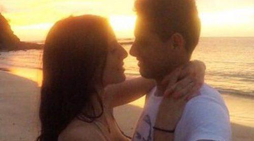 Rumores de boda para Chicharito y Lucía Villalón: la periodista luce un impresionante anillo
